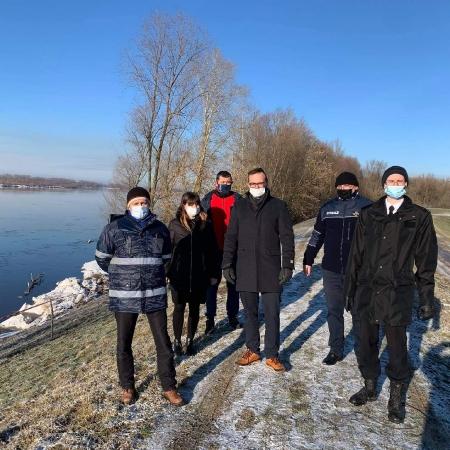 Prace remontowe na rzece w Wiśle w Kępie Polskiej rozpoczęte